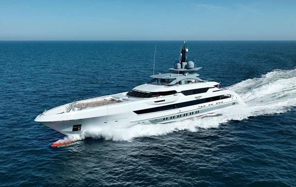 Яхту миллиардера из России признали лучшей в мире