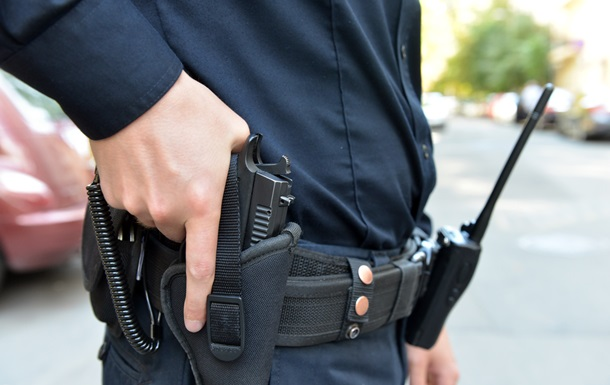 В Харькове полицейский выстрелил в хулигана