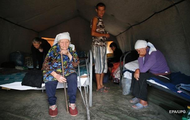 Почти половине переселенцев денег хватает только на еду - эксперты