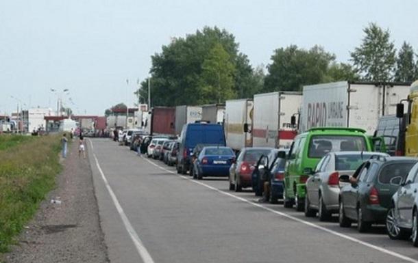 На границе с Польшей застряли более 700 авто