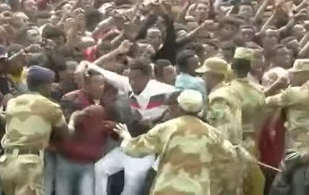 В Эфиопии в давке на акции протеста погибли 52 человека
