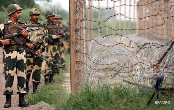 Войска Индии и Пакистана обстреляли друг друга
