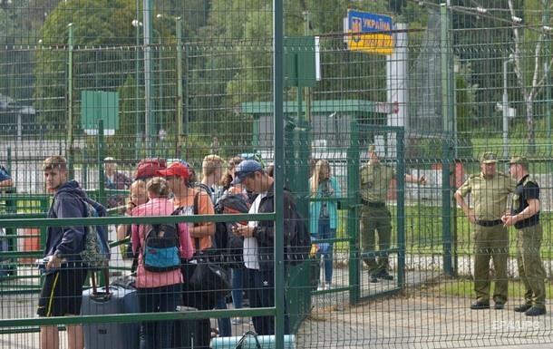 Украинцы подали 84 тысячи заявлений на легализацию в Польше - СМИ