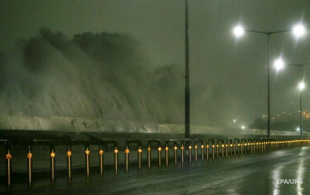 Тайфун Чаба изолировал часть Южной Кореи
