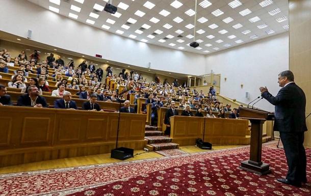 Порошенко посоветовал студенту провести год в АТО