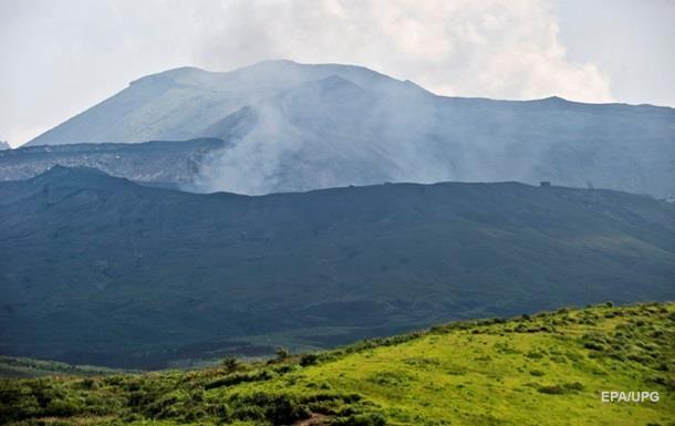 Извержение вулкана Асо началось в Японии