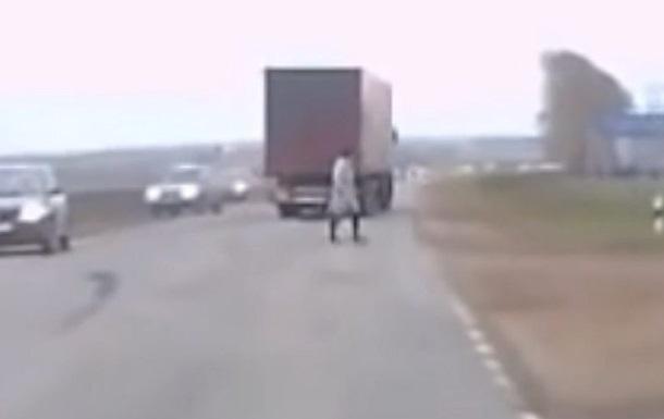 СМИ обсуждают видео с  телепортацией  в России