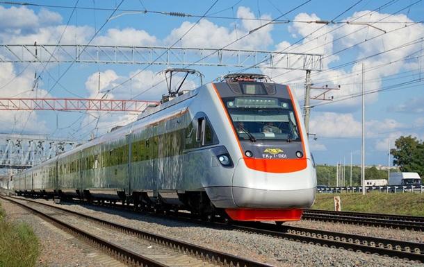 Поезд Интерсити Киев-Запорожье сломался в пути
