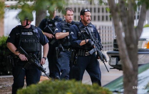 В США полиция застрелила мужчину с огромным мачете