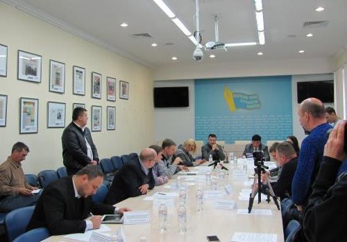 Конституція щодо народовладдя в Україні не виконується – Е. Багіров