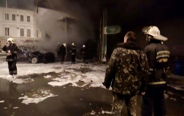 В Одессе авто врезалось в АЗС: прогремели взрывы