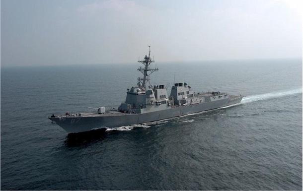 Эсминец США снова обстреляли возле Йемена