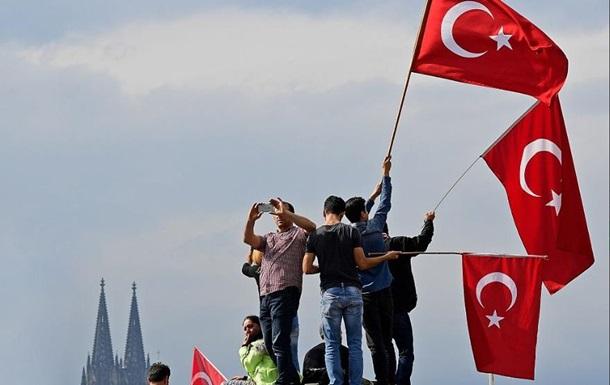 Турция: Не можем бросить соотечественников в Крыму