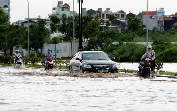 Наводнение во Вьетнаме: более 30 жертв