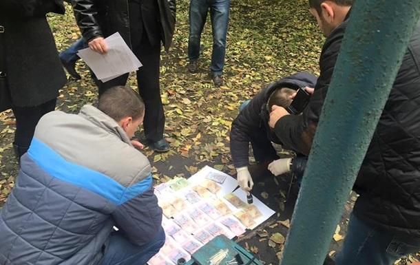 В Ивано-Франковске на взятке задержали четырех копов