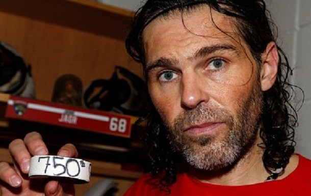 Форвард Флориды забил 750-ю шайбу в НХЛ