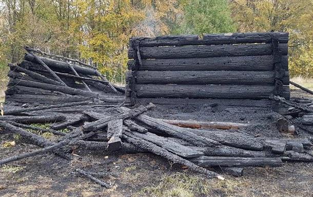 Нацмузей у Пирогові: спалять і продадуть?!