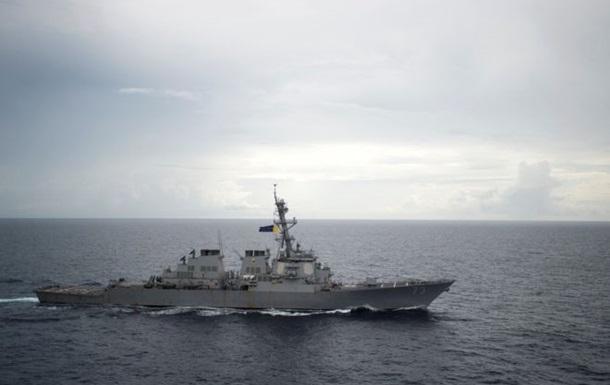 Проход эсминца США в спорных водах разозлил Китай
