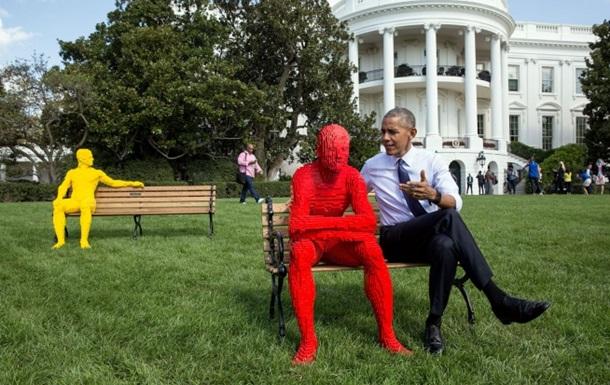 Барак Обама станцевал срэпером Ашером вБелом доме