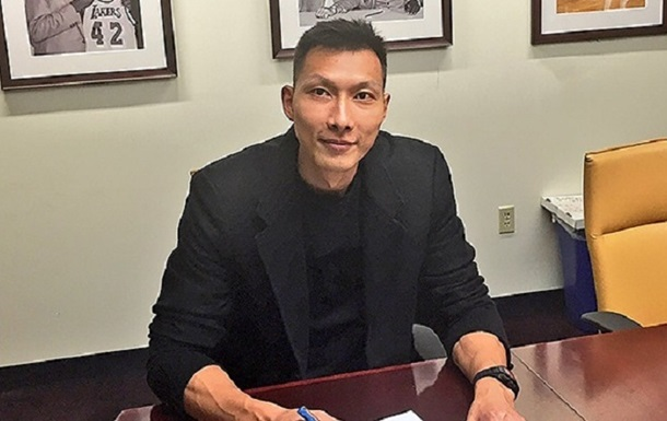 Лучший китайский баскетболист попросил Лос-Анджелес Лейкерс, чтобы его отчислили