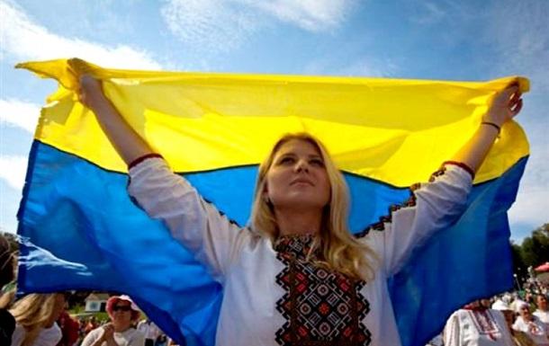 Каждый третий украинец хочет выехать из страны