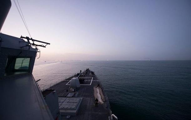 ВЧерное море зашел американский эсминец
