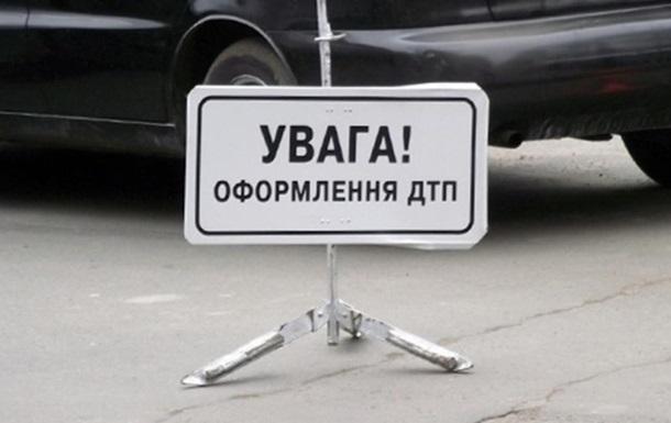 В Запорожье автомобиль врезался в блокпост