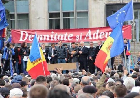 Президентские выборы в Молдове. Марионетки Плахотнюка на марше