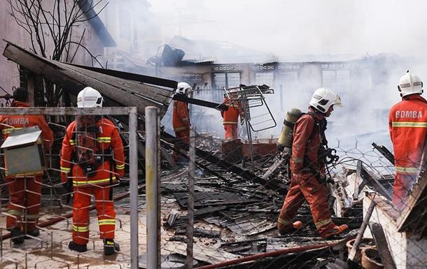 Жертвами пожара вмалайзийской клинике стали шесть человек