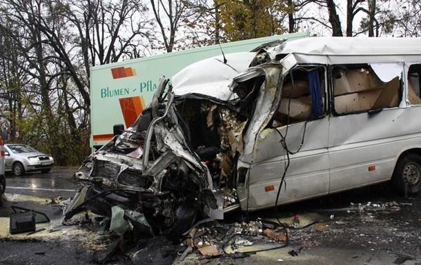 На Винничине автобус столкнулся с маршруткой