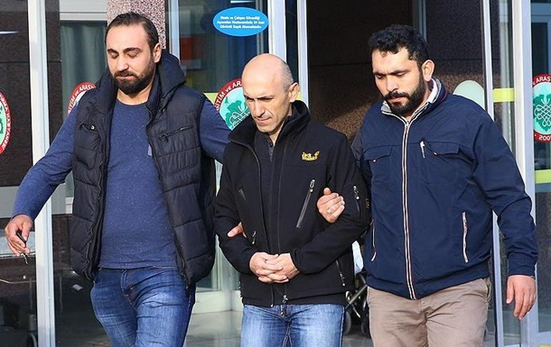 В Турции задержали 73 военных пилотов