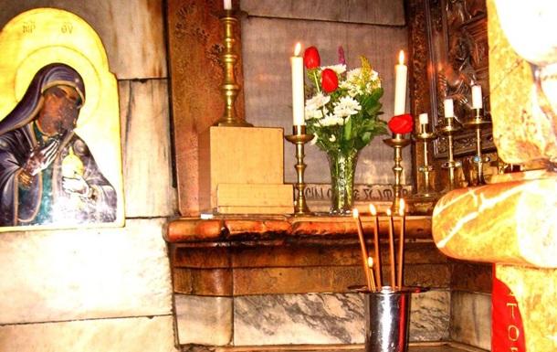 Ученые сняли плиту с гроба Христа