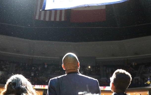 Команда НБА навсегда закрепила номер за легендарным игроком