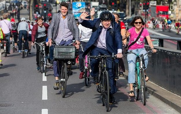 Борис Джонсон на велосипеде