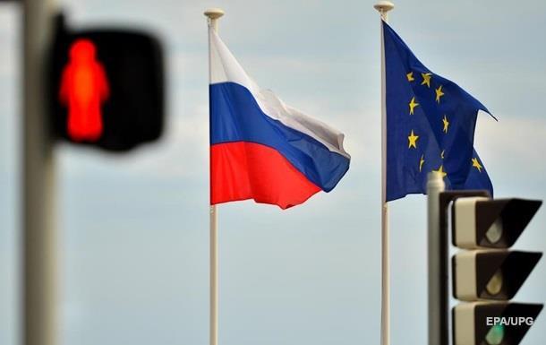 Проблемы в работе дипломата начались после его отчета о Крыме.