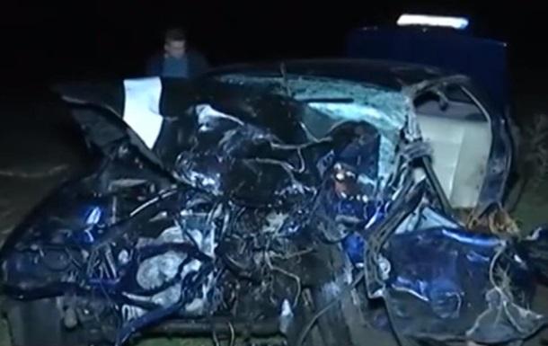 Под Черновцами столкнулись два авто, есть жертвы