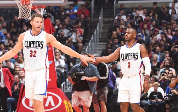 НБА. 46 очков Карри приносят победу Голден Стэйт, Клипперс громит Детройт