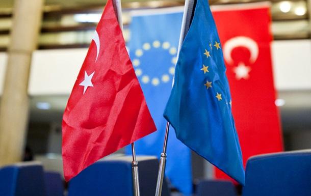 В ЕС заявили, что туркам откажут в безвизе из-за Эрдогана