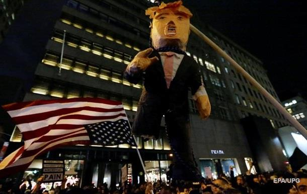 В Нью-Йорке арестовали 60 противников Трампа