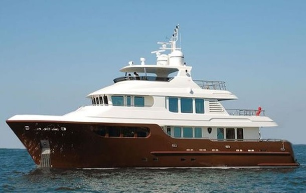 В Сети продают яхту Януковича-младшего