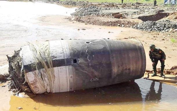 В Мьянме упал с неба неопознанный объект