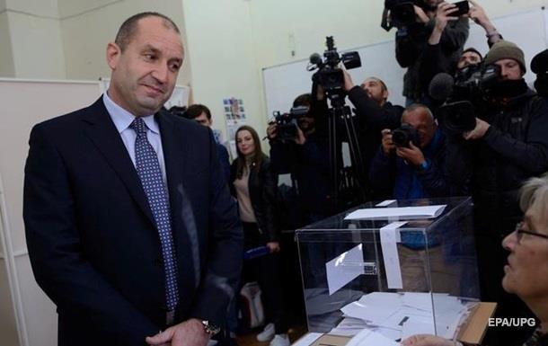 На выборах в Болгарии продолжает лидировать пророссийский Радев