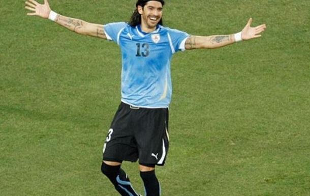 Экс-форвард сборной Уругвая установил рекорд по количеству переходов