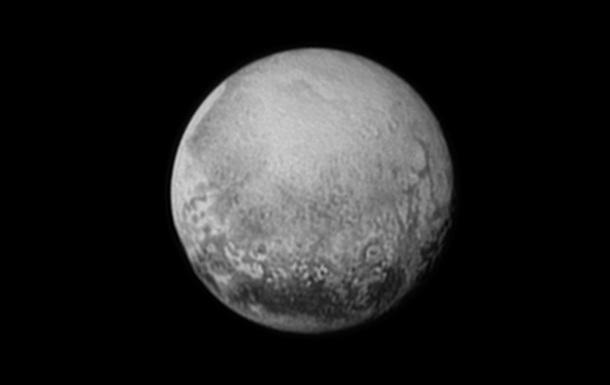 На Плутоне нашли слякотный океан