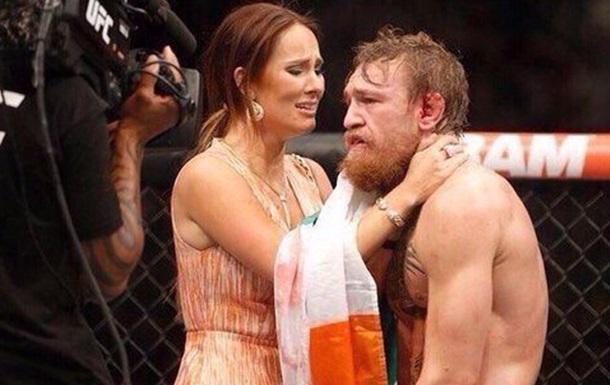 MMA. МакГрегор не будет драться до мая из-за жены