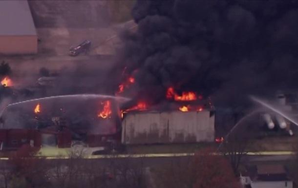 В США произошел взрыв на химзаводе, эвакуируют город