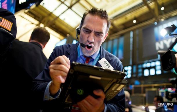 Торги на биржах США: Dow Jones и S&P 500 вновь достигли рекордного уровня