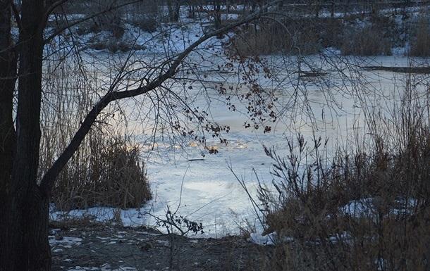 Шестилетний мальчик провалился под лед и погиб на Харьковщине