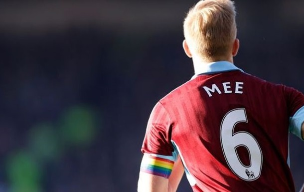 Футболисты Английской Премьер-лиги поддержали права геев