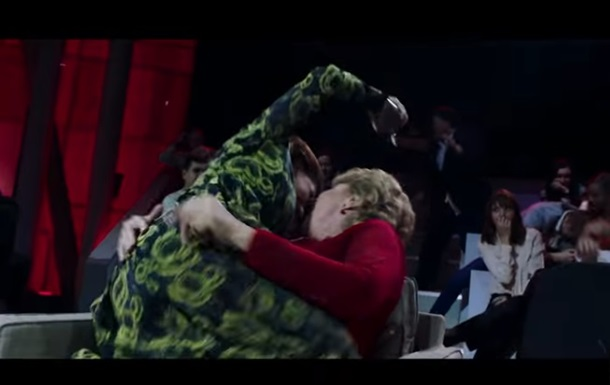 Ленинград  показал в новом  клипе массовую драку